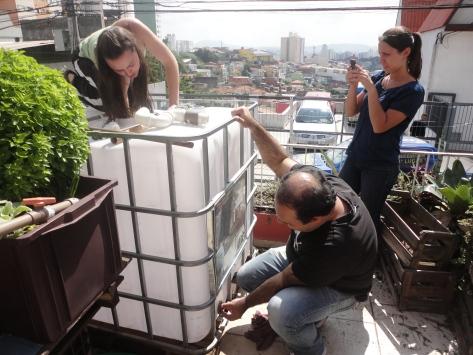 Equipe da Cisterna trabalhando
